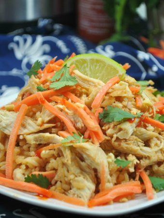 Looking for a delicious chicken pad thai recipe? This pad thai chicken recipe is made in the Instant Pot. An amazing Asian dinner can be on the table in 30 minutes