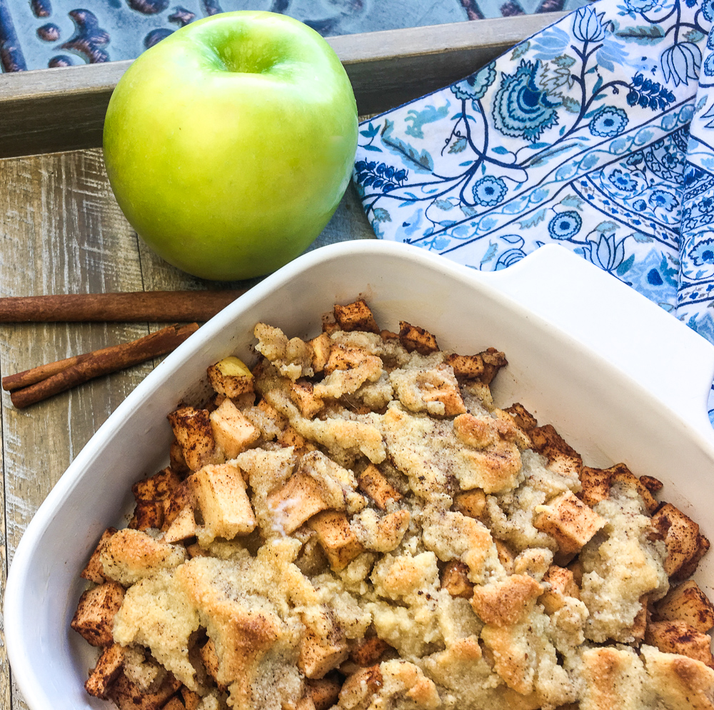 Do you love cinnamon apples? This recipe for baked cinnamon apples is so good, you will want to make it every day. Use it for a snack, a delicious breakfast or lunch.